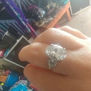 Pretty Cubic Zirconia stirling silver size 8 ring